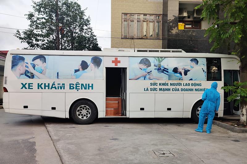 Công ty Cổ phần Thiết bị Y tế Việt Nhật (JVC) chi viện 3 xe khám bệnh lưu động cho Bắc Giang